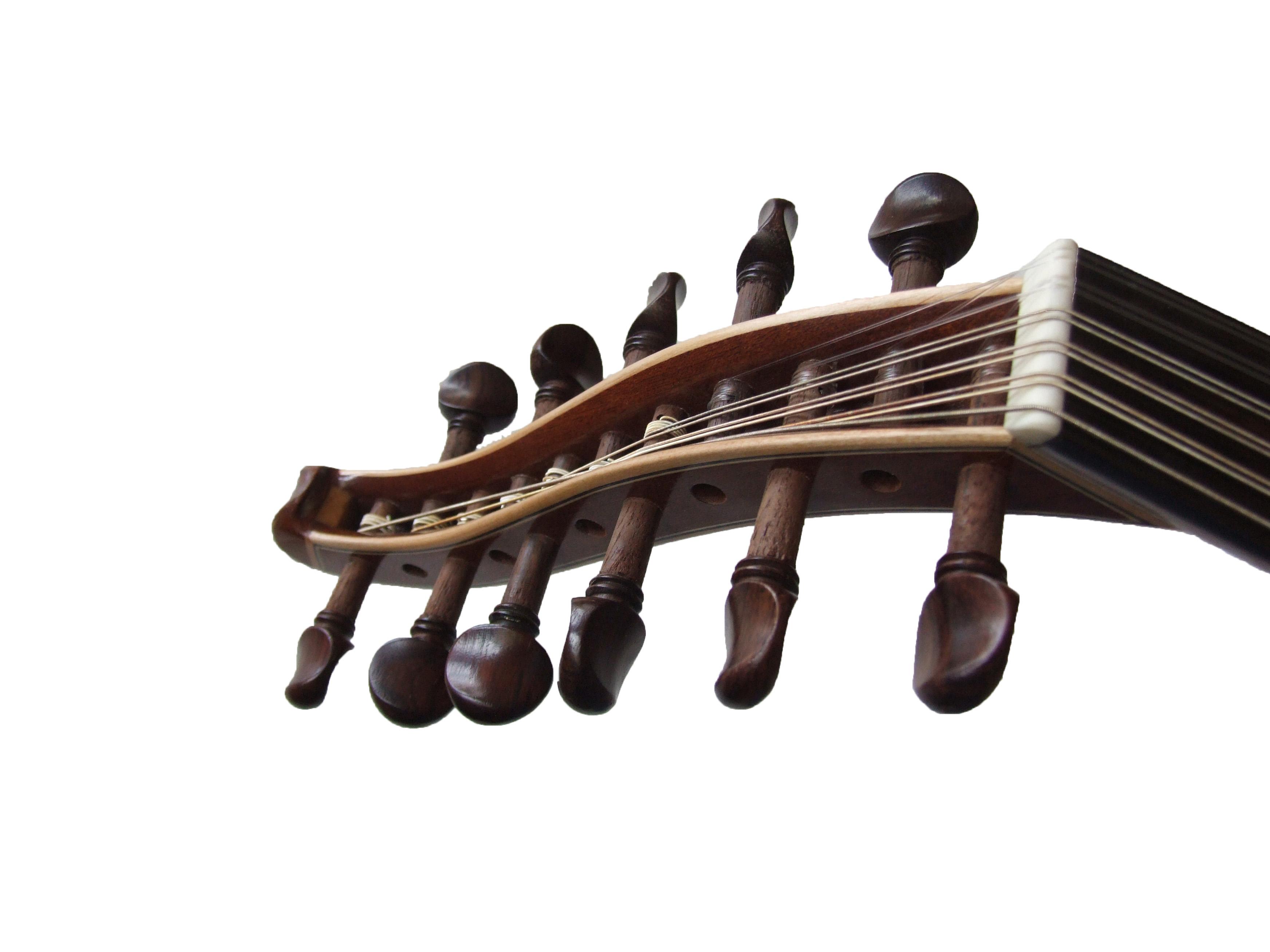 Oud Sandi MKA-25